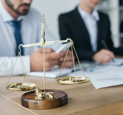 prawnik a adwokat